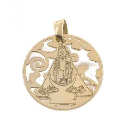 Medalla Virgen Fuensanta en Plata de Ley cubierta por baño de Oro de 18Kt y nacar. 25mm MF005ND